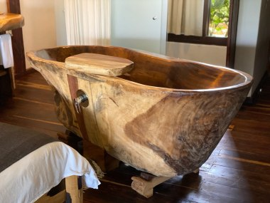 Wooden Bathtub at Kanan